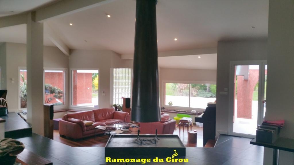 cheminée design www.ramonagedugirou.fr